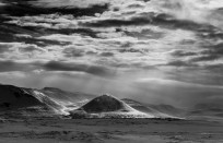 Icelandic mountains and light leica