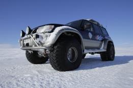 Raggys super jeep Myvatn